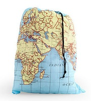 Reiswaszak World Map Laundry Bag | Kikkerland