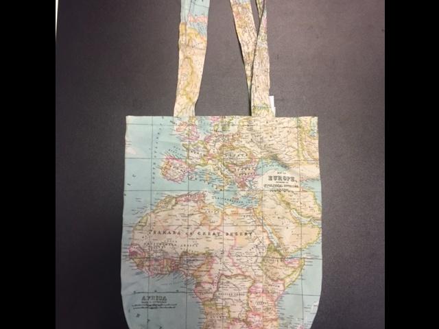 Betere Tas linnen met wereldkaart | 7432025357303 | Reisboekwinkel De Zwerver NH-45
