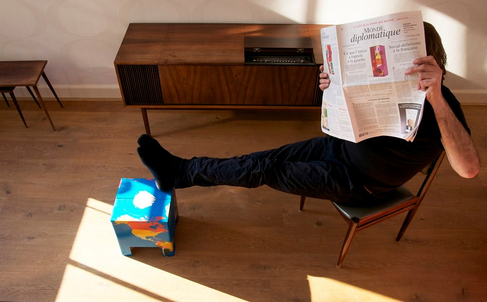Dutch design chair kruk wereldkaart 0422797638394 reisboekwinkel de zwerver - Wereld kruk ...