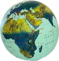 Opblaasbare wereldbol - globe natuurkundig | ITMB de zwerver