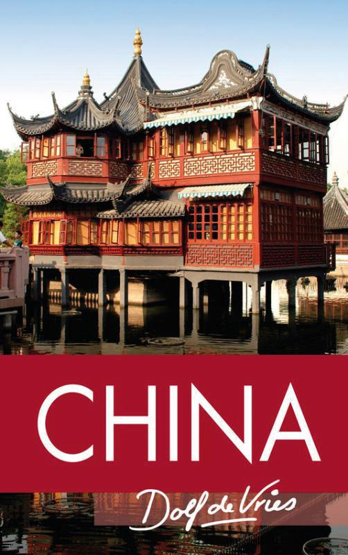 Reisverhaal China | Dolf de Vries <br/>€ 17.50 <br/> <a href='https://www.dezwerver.nl/reisgidsen/?tt=1554_252853_241358_&r=https%3A%2F%2Fwww.dezwerver.nl%2Fr%2Fazie%2Fchina%2Fc%2Fboeken%2Freisverhalen%2F9789000303045%2Freisverhaal-china-dolf-de-vries%2F' target='_blank'>Meer Info</a>