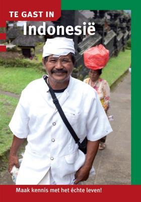 Reisgids Te gast in Indonesië | Informatie Verre Reizen <br/>€ 8.95 <br/> <a href='https://www.dezwerver.nl/reisgidsen/?tt=1554_252853_241358_&r=https%3A%2F%2Fwww.dezwerver.nl%2Fr%2Fazie%2Findonesie%2Fc%2Fboeken%2Freisgidsen%2F9789460160752%2Freisgids-te-gast-in-indonesie-informatie-verre-reizen%2F' target='_blank'>Meer Info</a>
